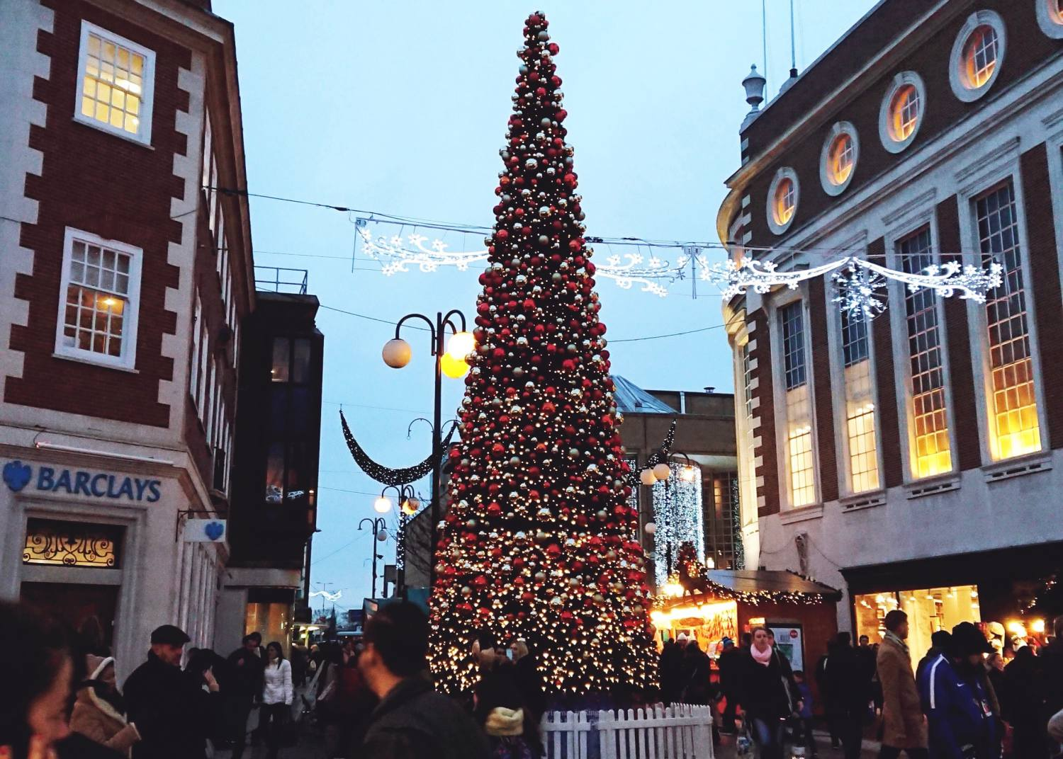 Christmas decor ideas: Christmas at Kingston-Upon-Thames